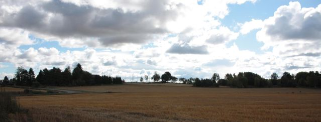Panoraamakuva Laitilan Vainionmäen kalmistoalueesta. Kuva: Ville Rohiola.
