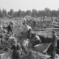 Suomalaista arkeologiaa vanhojen kuvien kertomana