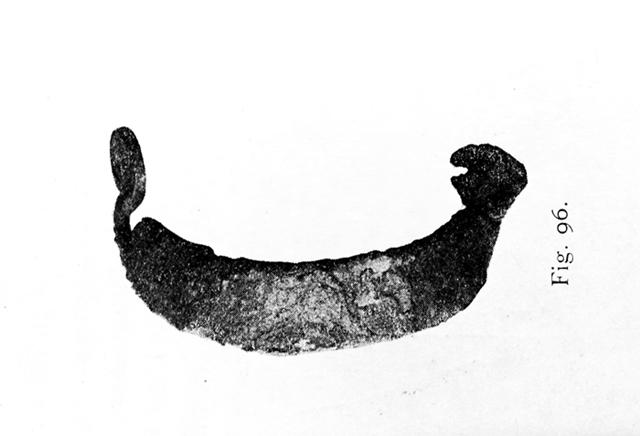 Norjasta, Opplandin läänin Tingelstadista löytynyt, jo 1900-luvun alkupuolella tiedossa ollut sankasolki (Grieg 1926: fig. 96).