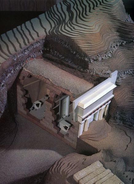 Mallinnos Verginan haudasta II, joka koostuu kahdesta erillisestä hautakammiosta. Kuva: Wikimedia Commons.