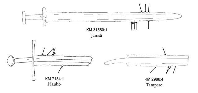 Kuva 5. Esimerkkejä iskujälkiä käsittävistä Suomesta löydetyistä viikinkiajan miekoista. Nuolet osoittavat, mistä suunnasta isku on kohdistunut säilään. Piirros: Mikko Moilanen.