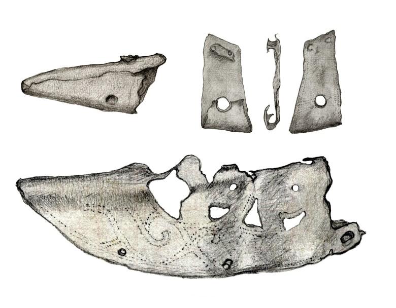 Pronssisia puukon tupen osia. Piirros: Inga Nieminen, Museovirasto