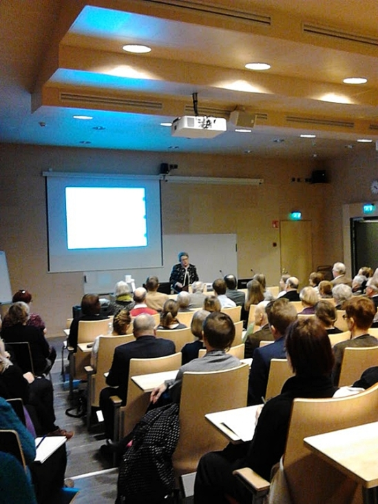 Professori Helena Ranta kertoo työstään kansainvälisten konfliktien tutkijana. Kuva: Heli Etu-Sihvola
