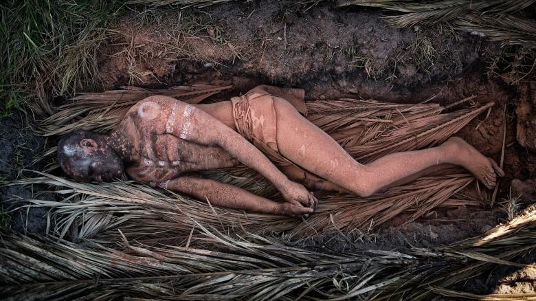 Tietokonerekonstruktio Mungon miehen hautauksesta. Kuva: PBS.