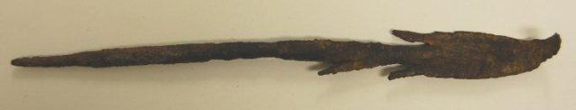 British Museumiin on talletettu myös kaksi Sir Richmond Palmer lahjoittamaa rautaista keihäänkärkeä. Ne ovat peräisin Gambian kivikehiin tehdyistä hautauksista. (Kuva: British Museum)