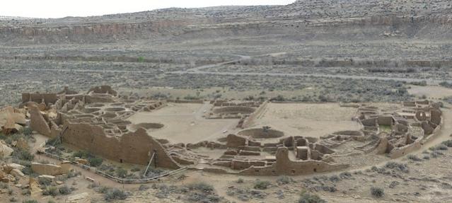 Pueblo Bonitan raunioita (Wikimedia Commons).