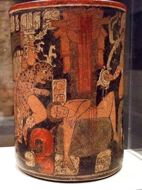 Dallasin taidemuseossa esillä oleva mayojen ihmisuhrausta kuvaava astia myöhäisklassiselta kaudelta (noin 600-850 jaa.). Kuva: Mharssch/CC.