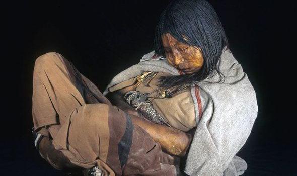 Llullaillacon muumio on teinityttö, joka on huumattu