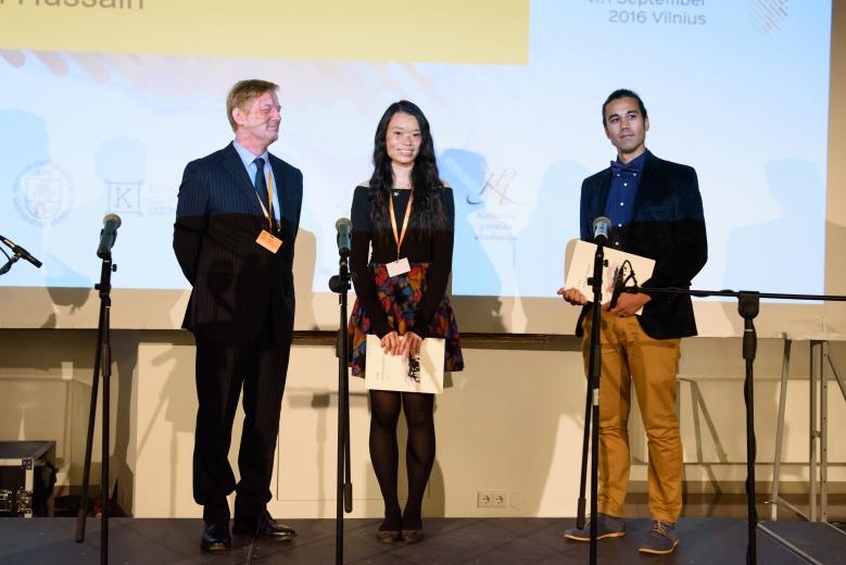 Sian Mui (keskellä) oli toinen konferenssin palkituista esitelmöitsijöistä. Kuva: The European Association of Archaeologists.