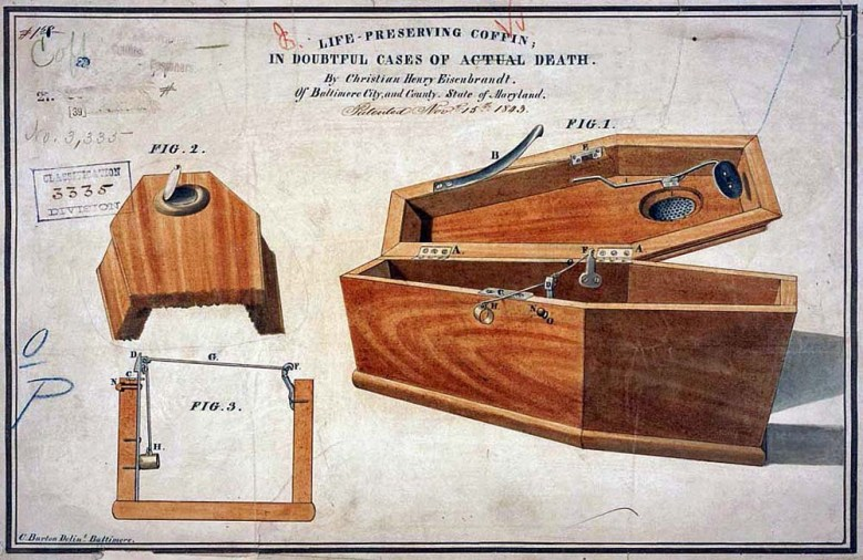 Christian Eisenbradtin vuonna 1843 patentoidussa arkkumallissa kansi voitiin avata sisäpuolelta jousimekanismin avulla. Malli toimi vain hautaamiseen saakka.