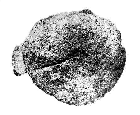 Hautaleipä Ahvenanmaan Långänsbackenin rautakautisesta kumpukalmistosta. Kuva: Kivikoski 1980, Plansch 2: 12 (muokattu).