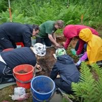 Apuvoimaksi arkeologisille kaivauksille - Miten se onnistuu?