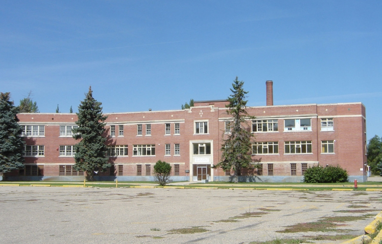 Fort Qu'Appelle indian hospital cc by sa 3.0